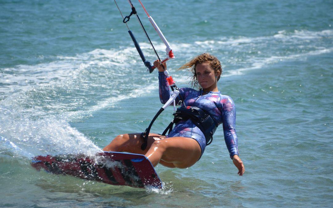 ¿Cómo elegir la mejor escuela de kitesurf de Tarifa?